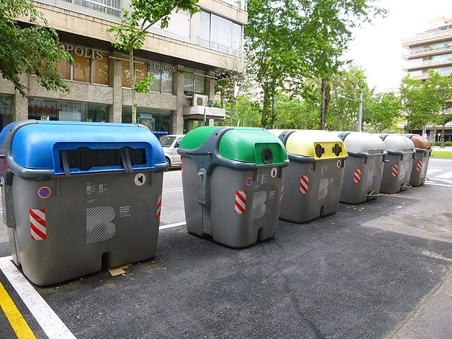recycling-in-Barcelona-containers-colors-Spain-Recycling in Barcelona Spain