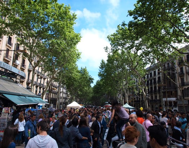 Rambla de Barcelona 23 abril Sant Jordi Día internacional del Libro
