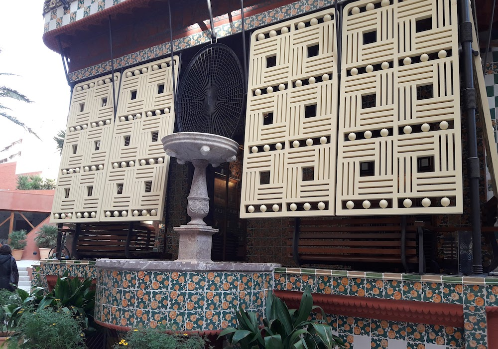 Casa Vicenç gaudi private tour